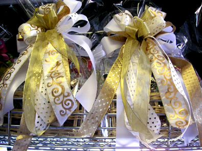 Italian Dinner Gift Basket With Bows